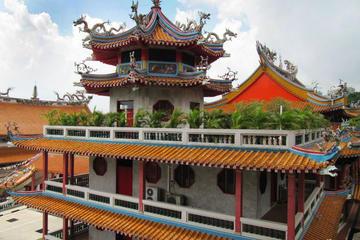 チャンギ戦争博物館、クランジ ウォー メモリアル、光明山普覚禅寺を巡るシンガ…