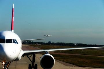 Gemeinsamer Transfer bei der Ankunft in Singapur: Flughafen zum Hotel