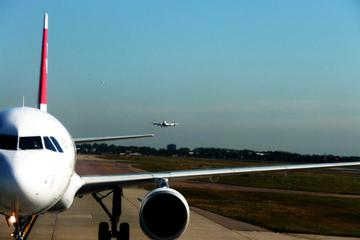 Singapore Shared Arrival Transfer: Airport to Hotel