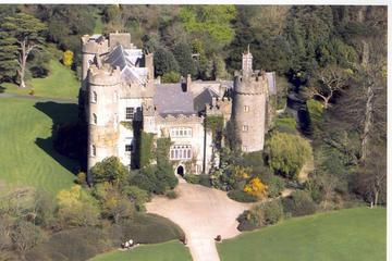 Malahide Castle, Dublin Bay and Howth Village Half-Day Trip from Dublin
