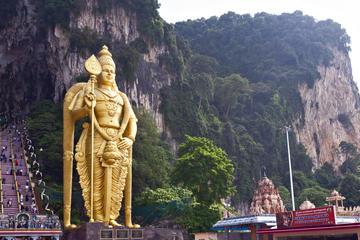 Visite des grottes de Batu au départ...