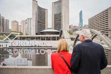 Private Tour: Personal Travel Photographer Tour in Toronto