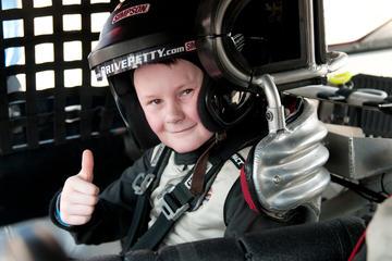 Junior-Rennwagen-Mitfahr-Programm auf der Rennstrecke Daytona...