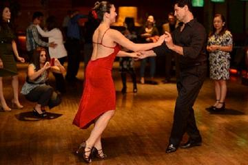 3-Hour Evening Tour of Salsa, Bachata and Kizomba Dancing With Lesson in Ulaanbaatar