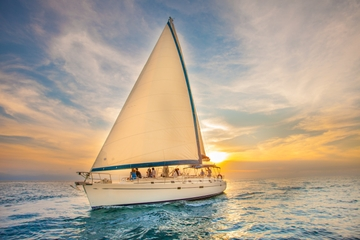 Paseo de lujo en barco de vela al...
