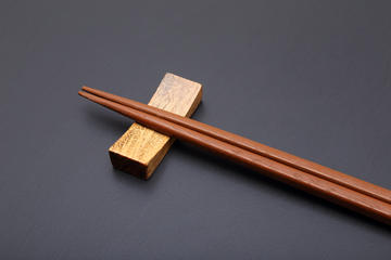 Chopstick-Making Lesson with a Local Artisan in Tokyo