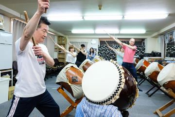 Japanese Taiko Drum Lesson in Tokyo