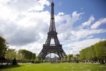 Acesso especial: excursão guiada expressa à Torre Eiffel com acesso...