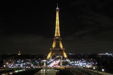 Billets coupe-file : tour de la Tour Eiffel de nuit