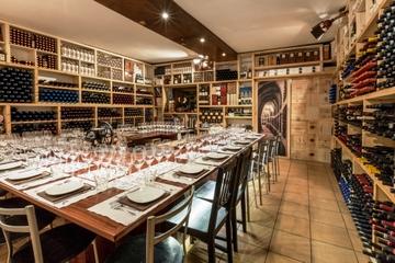 Degustación de vino y comida con la...