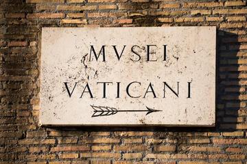 Excursión para grupos pequeños a los Museos Vaticanos con acceso...