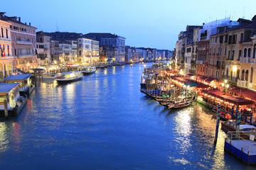 Rundtur i Venedig med gondolfärd