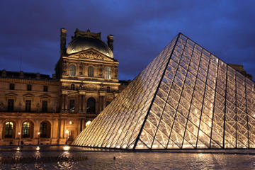 Skip the Line: Evening Louvre Tour, Wine Tasting