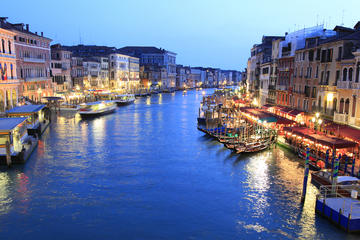 Tur i Venezia med gondoltur