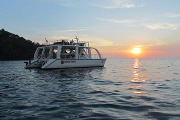 Catamaran Cruise from Manuel Antonio with Snorkeling or Sunset