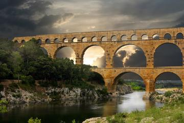 PRIVATE Full Day Provence Villages and Historical Monuments Walking...