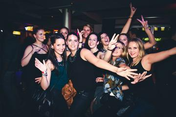 Pub and Club Party Night Tour in Hamburg