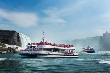 Canadian Side Sightseeing Tour of Niagara Falls with Boat Cruise...