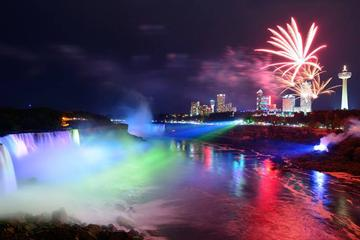 Niagara Falls Day and Evening Tour With Boat Cruise and Optional Fallsview Dinner