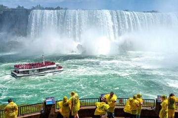 Small-Group Niagara Falls Day Tour from Toronto with Boat Cruise and...