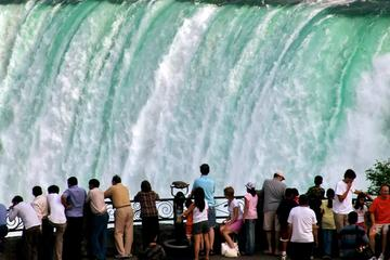 Small-Group Niagara Falls Day Tour from Toronto with Boat Cruise and Optional Fallsview Lunch