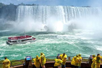 Tagestour zu den Niagarafällen in kleiner Gruppe ab Toronto mit...