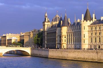 優先入場: パリのコンシェルジュリーの入場チケ…