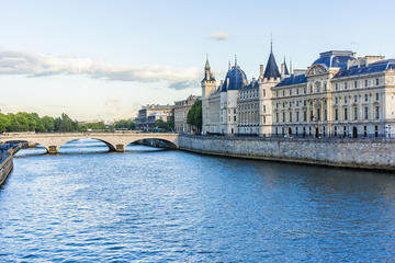 Skip the Line Sainte Chapelle and Conciergerie