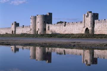 Skip the Line Ticket: Aigues Mortes Medieval Towers and Ramparts