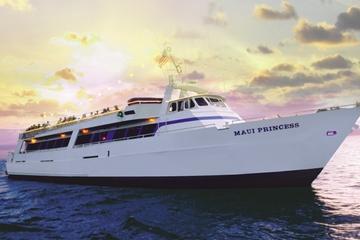 Maui: Bootsfahrt mit Abendessen bei Sonnenuntergang