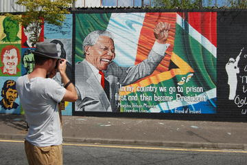 Belfast Mural Political Black Cab Tour