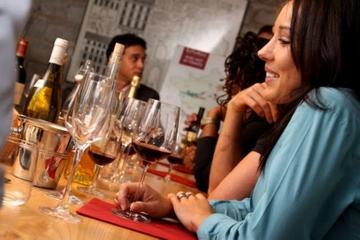 Wijnproeverij in Parijs met lunch met kaas en charcuterie