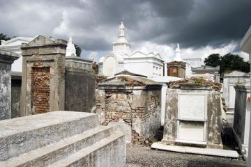 Cimitero di New Orleans e tour vudù a piedi
