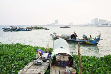 Private Traditional Fishing Boat Tour in Phnom Penh
