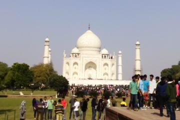 Taj Mahal at sunrise with Agra fort Day tour