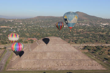 Hot Air Ballooning in Teotihuacan