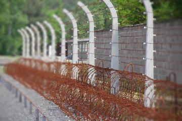 Minnestur till fots i koncentrationslägret Sachsenhausen