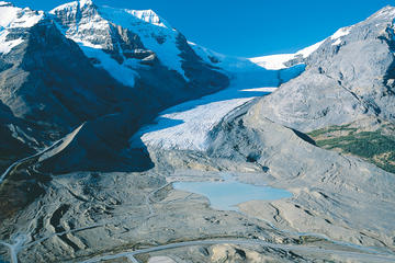 Gita sulla neve al ghiacciaio Athabasca da Banff
