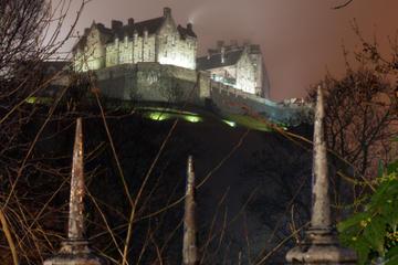 Tour a piedi dei fantasmi e del sangue a Edimburgo