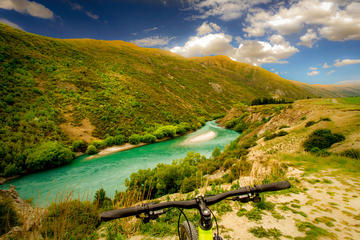Self-Guided Private Tour: Arrowtown River Bike Ride to Gibbston...