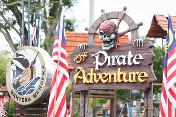 Melaka Pirate Adventure & Shore Oceanarium Tour With Lunch