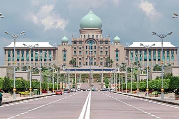 Putrajaya City & Bridges Tour From Kuala Lumpur with Lunch