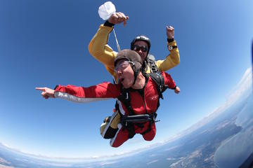 15000ft Tandem Skydiving from Rotorua