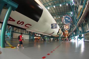 Viajem diurna ao Centro Espacial Kennedy e compras de outlet...