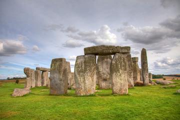 Angleterre: journée à Stonehenge, au...