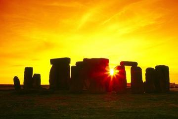 Excursion d'une journée avec accès au cercle intérieur de Stonehenge...