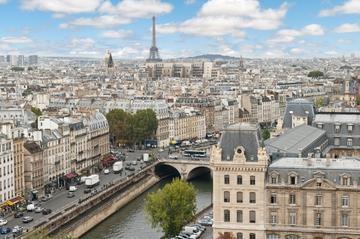 Viagem de trem com duração de dois dias a Paris, saindo de Londres