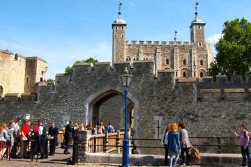 Viator VIP: Tower of London and St...
