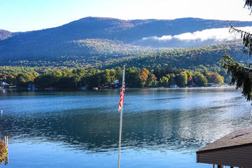 Day Trip Lake George Scenic Power Boat Private Tour with Lunch and Optional Tubing near Lake George, New York