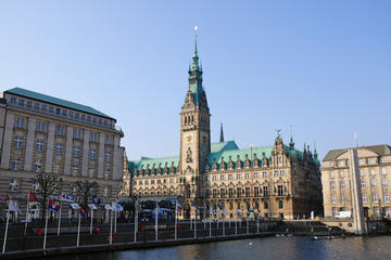Ultimatives Hamburg-Paket: Hop-on-Hop-off-Tour, Hafenrundfahrt und ...